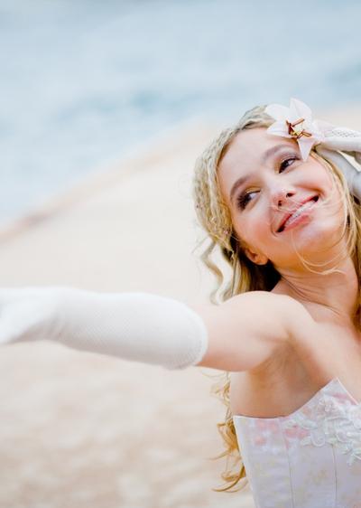 13b5026fba1 Handschuhe schmücken die Braut - Wir sagen Ja!