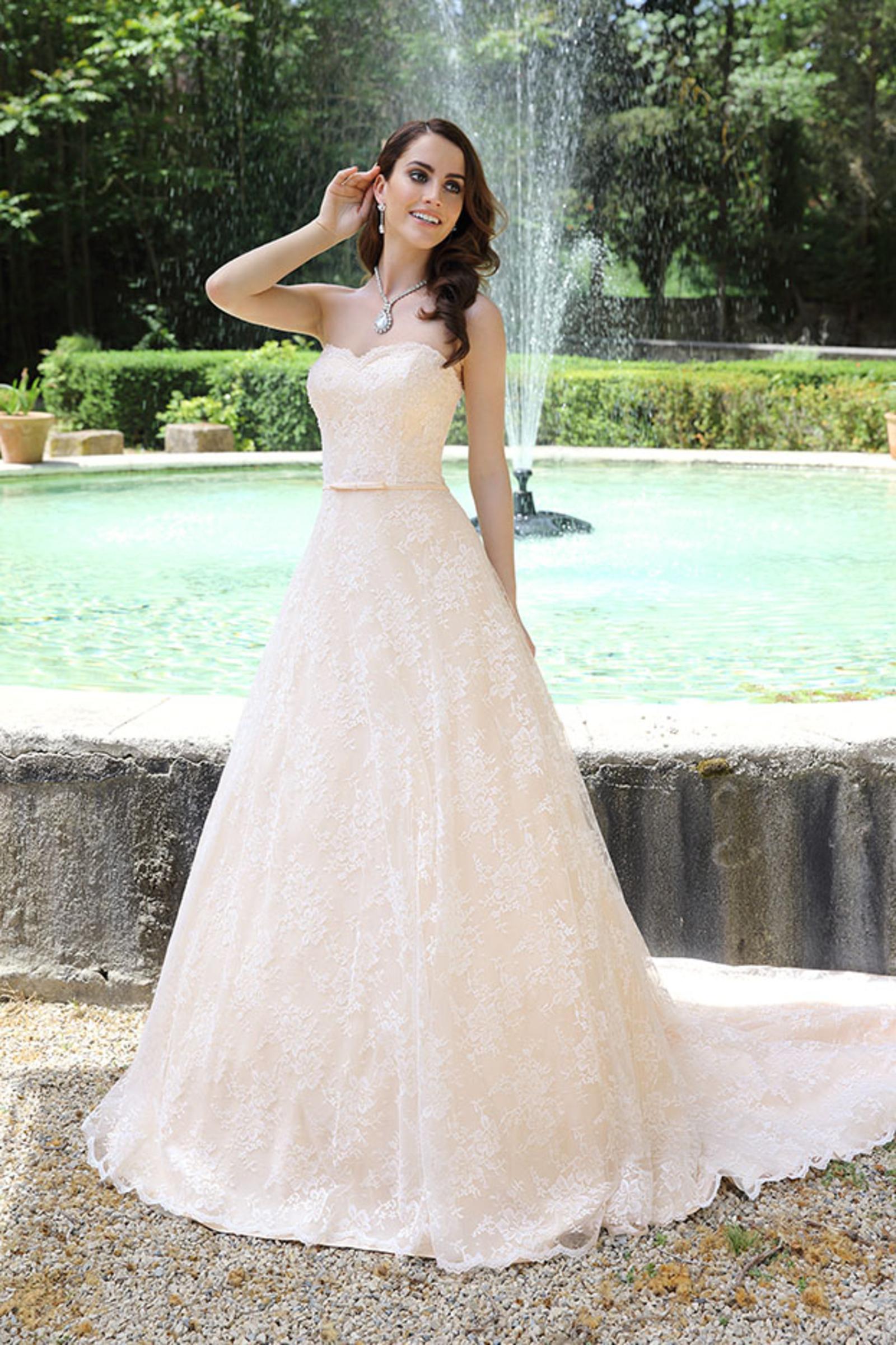 Ausgezeichnet Louis Vuitton Brautkleider Bilder - Hochzeit Kleid ...